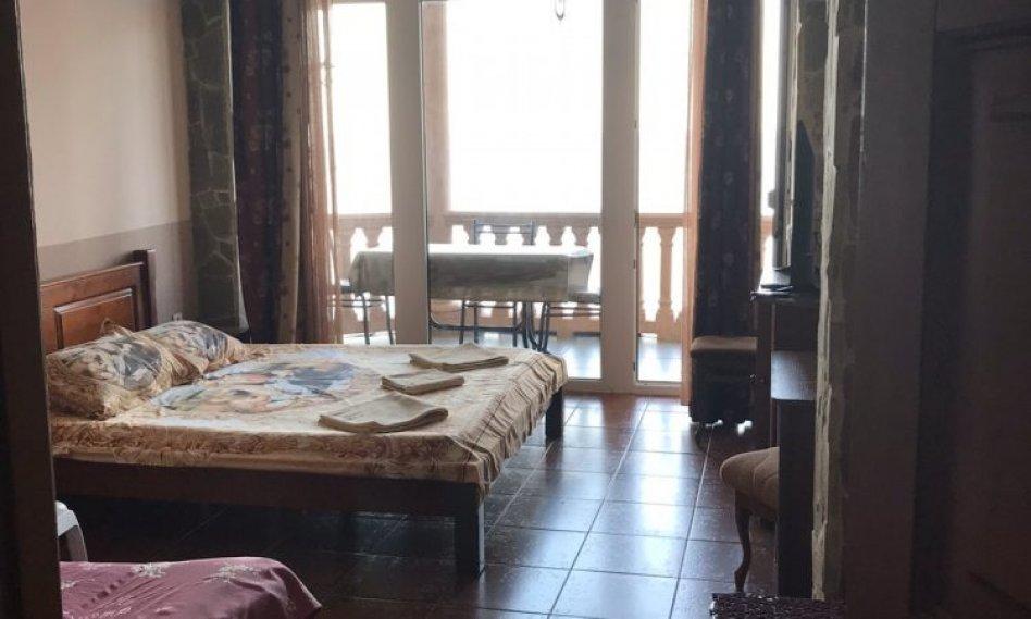 Säljer ett hus-hotell på Krim-kusten 255 m! 350000 USD